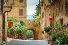 A Villa in Tuscany for a Month - Travel Babbo Italian Proverbs, Rent A Villa, Under The Tuscan Sun, Italy Travel, Tuscany, Travel Ideas, Dreams, Note, Birthday
