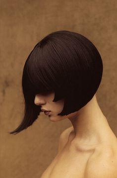 Aldo Coppola for Fabrizio Ferri, 2002 Gothic Hairstyles, Dance Hairstyles, Bob Hairstyles, Haircuts, Medium Short Hair, Medium Hair Styles, Short Hair Styles, Beautiful Long Hair, Hair Pictures