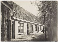Jaagpad in Sloten (nu Amsterdam). Het huis waar mijn vader is opgegroeid.
