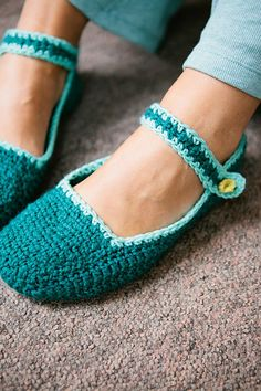 Amelie Slippers pattern by Claire Montgomerie
