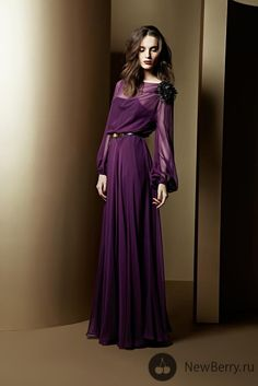 Escada 2013-2014...Purple gown..Love the Color n sleeves