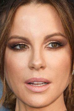 Close-up of Kate Beckinsale at the 2017 Critics' Choice Awards.