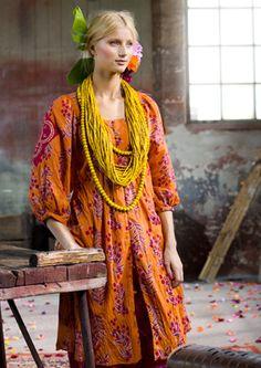gudrun sjoden - the details are exquisite. Love the beads Moda Hippie, Moda Boho, Fashion Prints, Boho Fashion, Fashion Design, Bohemian Style, Boho Chic, Dress Skirt, Dress Up