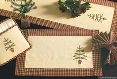 India Home Fashions Feather Tree Christmas Decorating Theme Christmas Placemats, Christmas Sewing, Table Runner And Placemats, Quilted Table Runners, Christmas Colors, Christmas Crafts, Christmas Decorations, Sewing Crafts, Sewing Projects