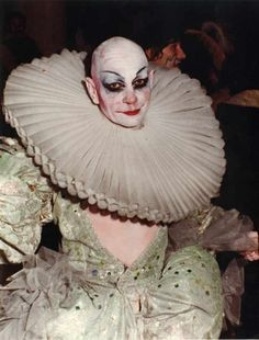 Elizabethan clown.... this could be quite creepy