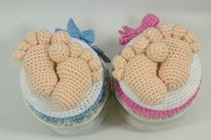 Nice tutorial for Amigurumi feet with toes. Need to be translated Crochet Wool, Crochet Amigurumi, Amigurumi Doll, Small Crochet Gifts, Crochet For Kids, Baby Shower Souvenirs, Baby Shower Gifts, Crochet Jar Covers, Clay Baby