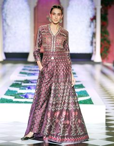 The India Couture Week 2016 has come to an end and left an unsettling lust to go attend a wedding somewhere! Here is a recap of some of my favorite looks from the shows: Tarun Tahiliani Anita Dongr… Salwar Designs, Saree Blouse Designs, Indian Wedding Outfits, Indian Outfits, African Fashion, Indian Fashion, Embroidery Suits Design, Anita Dongre, Long Summer Dresses