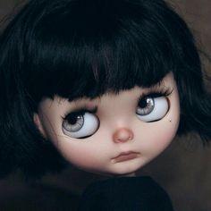 The grey eyes!