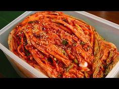 Traditional napa cabbage kimchi (Tongbaechu-kimchi) recipe - Maangchi.com (R)