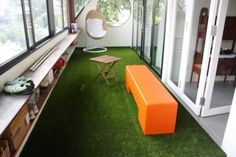 Synthetic grass for balcony and terrace - Easy to clean and green all year