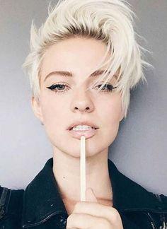 Идеально подойдёт тем, у кого короткие волосы — стрижка пикси(фото)