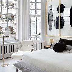 #homedecor #desingblog #designer #homedesign #homedesigninspiration #blackdetails #white by thejodesign http://discoverdmci.com