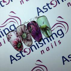 Flowers nail art gel painting