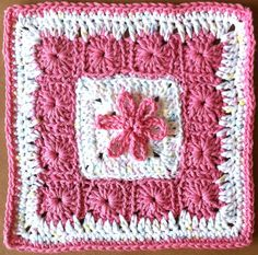 13 grannies in a square, square: free pattern