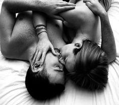No sexo, menos pode ser mais. De forma simplista, essa foi a conclusão de uma pesquisa da Universidade Carnegie Mellon, nos Estados Unidos. De acordo com o estudo, fazer muito sexo pode diminuir o seu apetite sexual. Para chegar ao resultado, os pesquisadores reuniram casais que relataram transar regularmente, mas não mais que três …