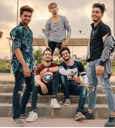 Our website help users to find best Social Groups Links and Loot offers. Our main goal is to keen knowledge and give you the information which we have Best Friend Photography, Portrait Photography Poses, Photo Poses, Photo Shoots, Friendship Photoshoot, Bff Poses, Photoshoot Pose Boy, Musically Star, Cute Stars