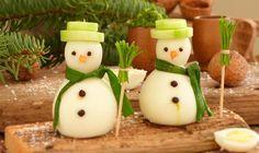 interessante Idee für Weihnachtsmenu mit Schneemann aus gekochten Eiern