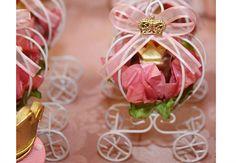Inspirações incríveis de convites, bolos, doces, comidas, decorações e lembrancinhas para uma festa de princesa inesquecível!