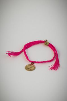 """Pink bracelet with golden pendant """"Loving the love"""". Armband Pink, Tassel Necklace, Low Stock, Gold, Delicate, Pendant, Bracelets, Jewelry, Style"""