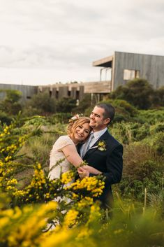 TOAST WEDDINGS| Photography | Moonah Links Wedding Photography |   Golden giggles at golden hour. Cassie and Lachy enjoying a quick cuddle at Moonah Links