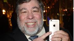 Steve Wozniak, Apple's co-founder, doesn't want the rumored 'iPhone 7' to ditch…