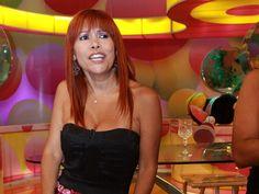 Magaly Medina quema la película a Karla Tarazona y Metiche.