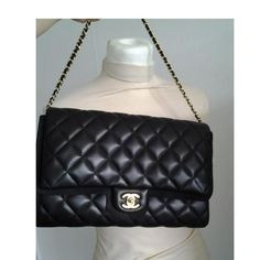 Tip: Chanel Clutch (Black)