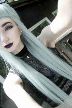 Lip color & top