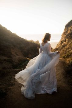 Captured at the beautiful California hotspot of Point Reyes by Kelly Anne Photographer this stunning bridal shoot is moody as it is ethereal.