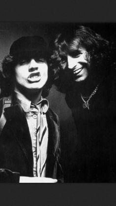 Bon Scott & Angus Young -  AC ⚡ DC