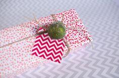 FREE Printable - red chevron gift tag