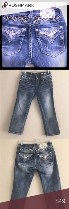 """🆕Listing Miss Me Jean Crop A very cute and unique pocket design crop jeans. In good condition, no rips, stains, or fraying. Open to reasonable offers 💗.  Miss Me Pants Size: 26  Approx. Measurements: Waist: 15"""" Inseam Length: 23 Rise: 8"""" Color: Blue Material: Cotton Specific Condition Details: Good-Ready To Wear Miss Me Jeans Ankle & Cropped"""