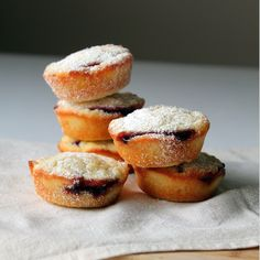 http://ohsweetday.com/2013/09/financier-with-raspberry-jam.html