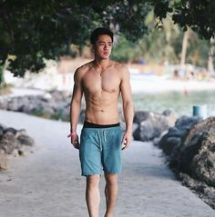 David licauco - Great things are coming ☝ The Lying Game, Sexy Asian Men, Human Anatomy, Handsome, David, Husband, Sporty, Exercise, Guys