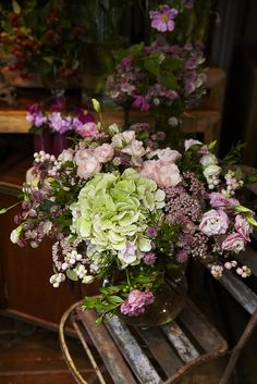 How delightful is this pink and green floral arrangement. It would suit in or outdoor entertaining. JH