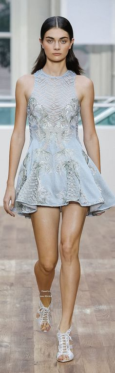 Julien Macdonald Ready-to-Wear Spring-summer 2015