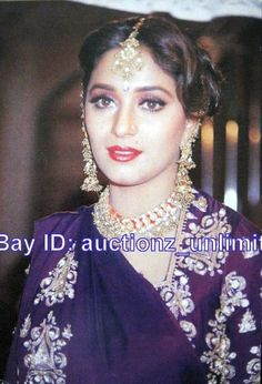 Vintage Bollywood, Madhuri Dixit, Most Beautiful Indian Actress, Bollywood Stars, India Beauty, Timeless Beauty, Pretty Face, Bollywood Actress, Indian Actresses