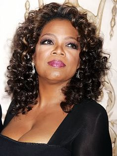 Cute Oprah look. Short Curly Haircuts, Curly Hair Cuts, Long Curly Hair, Curly Hair Styles, Natural Hair Styles, Crochet Braids Hairstyles, Weave Hairstyles, Hairstyles Haircuts, Crochet Hair Styles