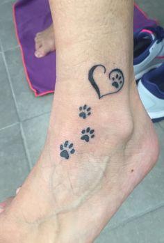 Best Dog Tattoo Ideas Ever Small Dog Tattoos, Foot Tattoos For Women, Body Art Tattoos, Hand Tattoos, Dog Memorial Tattoos, Lady Bug Tattoo, Flower Wrist Tattoos, Tattoo Stencils, Ankle Tattoo
