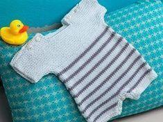 Pour votre moussaillon, une combishort idéale à enfiler et qui le laissera bouger comme il le souhaite. Un modèle de layette spécial prématurés et à tricoter jusqu'à 6 mois.