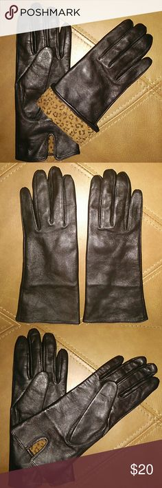 🎁 SPECIAL PURCHASE GENUINE LEATHER GL SIZE 8 NWOT COLOR BLACK SMOOTH TEXTURE OUTSIDE OF GLOVES SMOOTH LEOPARD PRINT INSIDE OF GLOVES Avon Accessories Gloves & Mittens