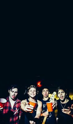 wallpaper, lockscreen, and 5 seconds of summer image