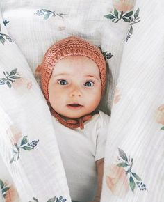 Shop hand-knit baby bonnets at littlepineoutfitters.com  >>  follow along on Instagram @littlepineoutfitters