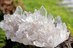 Crystal clusters in your home http://fengshui.about.com/od/popularfengshuisymbols/ss/Feng-Shui-Tips-Crystals.htm# Find more feng shui decor tips: http://FengShui.About.com