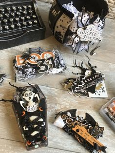 I love all things crafty and wish for more time in a day so I can learn it ALL! Halloween Paper Crafts, Halloween Ornaments, Halloween Drawings, Halloween Cards, Holidays Halloween, Holiday Crafts, Halloween News, Halloween Diy, Happy Halloween
