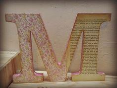 letra de madera decorada