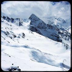Still a bit of snow left up here... #soultravels #outdoorgirl #adventuregirl #mindful