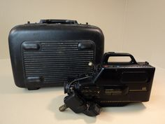 Sears Solid State CCD VHS Movie Camera 8X Zoom Auto Exposure 934.5379309 -- Parts/Not Working