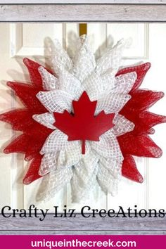 Check out this gorgeous DIY patriotic wreath by Crafty Liz Creeations! This perfect DIY wreath project was crafted using a Unique in the Creek wreath board. Celebrate Canada Day with your very own DIY patriotic decor like this one using Unique in the Creek wreath boards! DIY and crafting has never been easier! Check out our live videos on how to make patriotic decor like this one and shop Unique in the Creek today! #diywreath #patrioticwreath #uitc Patriotic Crafts, Patriotic Wreath, Patriotic Decorations, Diy Wedding Decorations, Diy Fall Wreath, Summer Wreath, Diy Flowers, Flower Wreaths, Summer Diy