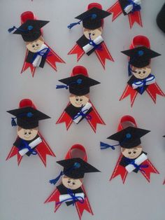 Progress Report File Cover - New Deko Sites Graduation Crafts, Kindergarten Graduation, Graduation Decorations, Graduation Party Decor, School Decorations, Graduation Centerpiece, Diy And Crafts, Crafts For Kids, Arts And Crafts